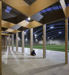 Image 17 of 42 from gallery of Sports Facility   Comoco. Photograph by FG+SG  - Fernando Guerra 88a21383297c0