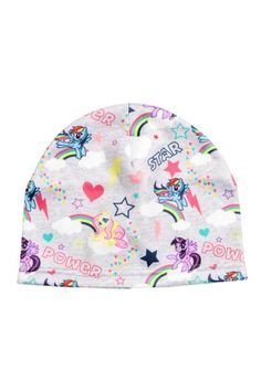 Patterned fleece hat: Fleece hat with an all-over print.