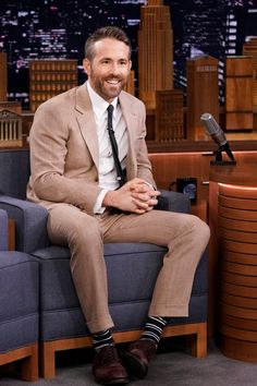 Why Ryan Reynolds' style is head and shoulders above the rest - Business Insider