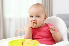 Acțiunea de a mesteca se va desfășura natural cam pe la finele primului an de viață al bebelușului. Diversificarea are rolul ei în această perioadă. Children, Young Children, Boys, Kids, Child, Kids Part, Kid, Babies