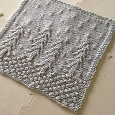 Ravelry: January Snow - Year of the Afghan 2015 pattern by Maggie Fangmann Knitted Squares Pattern, Knitted Washcloth Patterns, Knitting Squares, Dishcloth Knitting Patterns, Crochet Dishcloths, Loom Knitting, Knitting Stitches, Knitting Designs, Knit Patterns