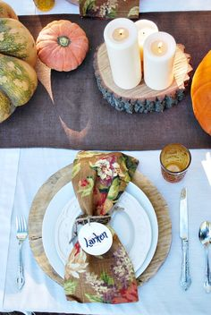 Grateful Harvest Tablescape - perfect for an outdoor fall get-together or Thanksgiving!
