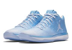 Jordan Brand Decks out Five NCAA Teams With 31 Low PEs for March Madness: Support your squad for the big tourney. Air Jordan 9, Air Jordan Future, Sneakers Mode, Sneakers Fashion, Fashion Shoes, Mens Nike Air, Nike Men, Latest Jordan Shoes, Jordan Basketball Shoes