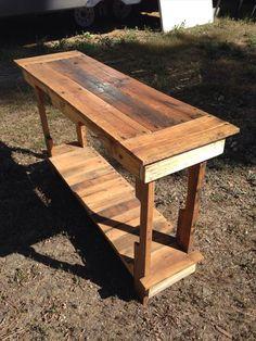DIY Entryway #Table | Pallet Furniture DIY