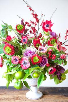 Kiana Underwood / tulipina.com | ilex, ranunculus, anemone, kale, lemon, geranium, inkberry