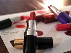 Laura Neuzeth | Perfect Lip Colors for the Holidays http://www.lauraneuzeth.com/2013/12/perfect-lip-colors-for-holidays.html