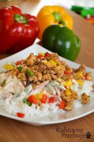 Potrawka z kurczaka a'la Gyros, Gyros z ryżem, ryż z kurczakiem, potrawka z kurczaka z ryżem. Kurczak Gyros z ryżem. Pyszny obiad z ryżem i kurczakiem.