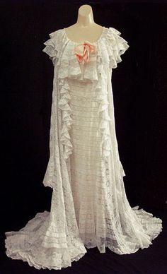 Cotton batiste and lace peignoir, c.1905, from the Vintage Textile archives.