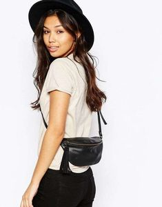 Browse online for the newest ASOS Leather Classic Fanny Pack styles. Shop easier with ASOS' multiple payments and return options (Ts&Cs apply). Looks Style, My Style, Bum Bag, Cute Purses, Cute Bags, Outfit Goals, Diy Clothes, Purses And Handbags, Fanny Pack
