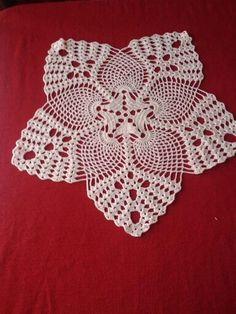 Crochet Tablecloth, Crochet Doilies, Knitting, Ideas, Farmhouse Rugs, Crochet Flowers, Crochet Blocks, Crochet Stitches, Centerpieces