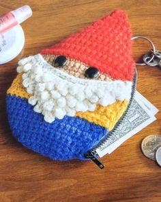 Amigurumi coin purse