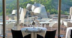 Uno de los lujosos hoteles en Bilbao, ubicado frente al Museo Guggenheim