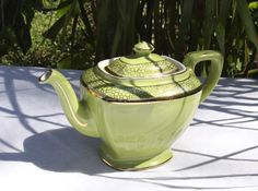Exquisite Hall Vintage Green Teapot 6 Cup by dolphinlady on Etsy, $42.00 Serveware, Tableware, Mass Production, Tea Kettles, Tea Service, Tea Sets, Vintage Green, Coffee Drinks, Cup And Saucer