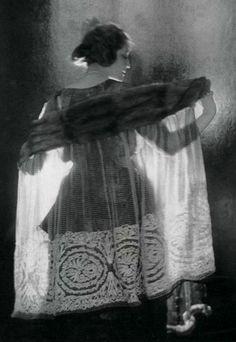 Ann Andrews, 1921 (Baron Adolph de Meyer)