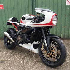 Aprilia Tuono Cafe Racer by Metal Motorcycles #caferacer #motos | caferacerpasion.com