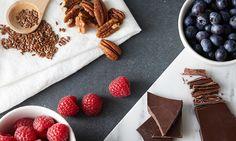 Θέλετε να έχετε μια ισορροπημένη διατροφή αλλά σας αρέσουν τα γλυκά; Μην απελπίζεστε! Υπάρχουν υγιεινές και νόστιμες εναλλακτικές που μπορούν να ικανοποιήσουν αυτές τις επιθυμίες. Dairy, Cheese, Food, Eten, Meals, Diet