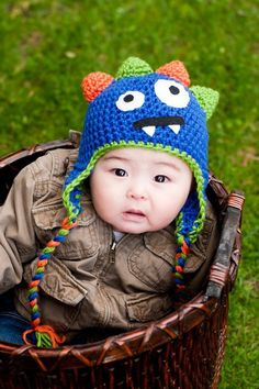 Fun Little Monster Hat-I want to make some of these for my kids.