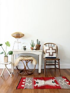 Not too into the rug. maybe if it wasnt red. love the rest. Maven Collective by ethanollie, via Flickr
