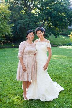 Photography: Rhaina Taylor Photography - www.rhainataylor.com  Read More: http://www.stylemepretty.com/mid-atlantic-weddings/2014/04/24/elegant-afternoon-brunch-wedding/