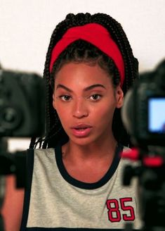 Don't really care for Bey, but I like this 90's style high pony with the braids too!