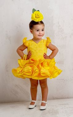Traje de gitana flamenca para niña MiBebesito gtn311 Cute Dresses, Flower Girl Dresses, Kids Frocks, Tulle Gown, Sartorialist, Gowns Of Elegance, Little Girl Fashion, Lolita Dress, Baby Sewing