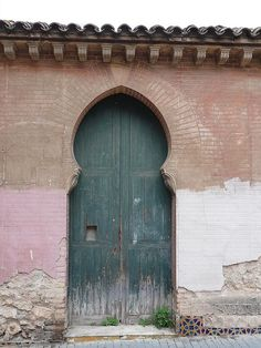 doors to other worlds Windows, Garage Doors, Front Doors, Doorway, Spain, Architecture, World, Outdoor Decor, Beautiful