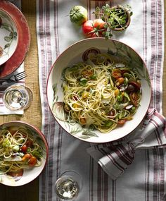 Fresh Spaghetti with Heirloom Tomatoes and Basil | Williams-Sonoma Taste