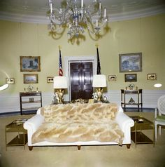 Yellow Oval Room Facing President S Bedroom Doorway White House Usa Rooms