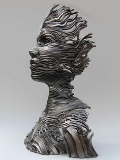 """Além da beleza, é necessário valorizar na arte, como a obra foi feita! Um exemplo disso é a """"Série Flow"""" do artista Gil Bruvel. São incríveis escultu"""