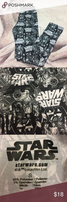 "Star Wars Black And White Story Line Leggins Excellent pre owed condition. Second photo shows the glued on description peeling. Elastic waist measures 24"". It does stretch. Inseam is 26"". No trades. May the force be with you ! Star Wars Pants Leggings"