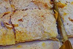 Η λέξη, αλλά και η συνταγή, προέρχεται από την τουρκική boğaça. Η πλούσια αυτή πιτούλα ήρθε στην Ελλάδα μαζί με τους πρόσφυγες το 1922 και έγινε ιδιαίτερα δημοφιλής στη βόρεια Ελλάδα, και ειδικά στη Θεσσαλονίκη και τις Σέρρες.