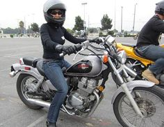 Women motorcycle riders article with link for the best learn to ride class