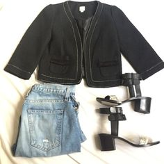 Lauren Conrad Jacket Super cute LC Lauren Conrad jacket. Looks very Chanel inspired. In great condition and very chic with ripped jeans. Size 2 LC Lauren Conrad Jackets & Coats Blazers