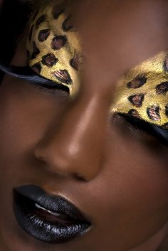 This is #hotness! I'd like to see a whole series on this with other animal prints...