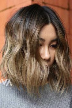 You are beautiful the way you are, so we prepared for you some haircuts for round faces that will emphasize your beauty. #roundfaceshape #roundfacehairstyles #haircuts