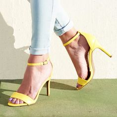 Adding a pop of spring color is easy on #shoesdaytuesday. Shop our bio.