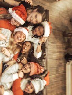 See more of thosevscovibes's VSCO. Bff Pics, Cute Friend Pictures, Best Friend Pictures, Cute Pictures, Friend Pics, Diy Foto, Christmas Feeling, Cozy Christmas, Cute Friends