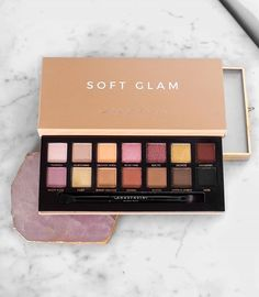 Anastasia Beverly Hills launches the most beautiful eyeshadow palettes! This palette has both new shades and shades from the modern renaissance palette. So many increadible shades for almost any creative and everyday look you want to do!