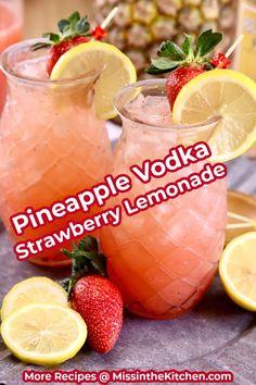 Vodka Strawberry Lemonade, Vodka And Pineapple Juice, Strawberry Cocktails, Lemonade Cocktail, Cocktail Drinks, Pineapple Alcohol Drinks, Vodka Strawberries, Pineapple Cocktail, Vodka Recipes