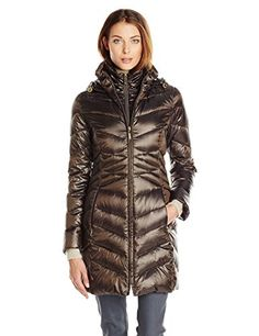 Hooded iridescent packable down with flattering #waist details and inner vestige will keep you warm and is easy to travel with