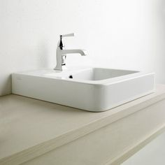Designed by Matteo Thun and manufactured by Catalano, the Roma 52 Washbasin, with it's neutral, simplistic form, is both classic and contemporary; a washbasin that changes its presence according to the environment.