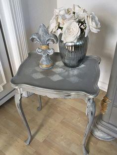 Attraktiv Beistelltisch Tisch Tischchen Shabby Chic Vintage Antik Grau Weiß Raute DIY  Kreidefarbe Harvestehude Hamburg The Vintage