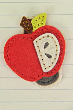Apple Barrette by Erin Lincoln for Papertrey Ink (August Felt Headband, Headbands, Creative Cards, Creative Gifts, Felt Crafts, Fabric Crafts, Felt Necklace, Sewing Appliques, Felt Patterns