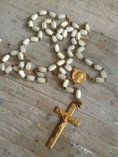 Vintage Rosary  in the shop-FleaingFrance Brocante Society