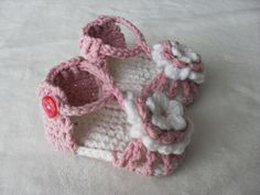 crochet baby sandal  baby shoe baby bootie  New by littletotstoes2, $10.00