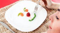 4 kg Zayıflatan 3 Günlük Meyve Diyeti-Sadece iki saatte bir biraz meyve yiyerek kilo vermek mümkün mü? Meyve detoks diyeti olarak bilinen ''fruit flush diet'' ile 3 gün boyunca meyve, salata ve protein tüketerek hem sisteminizi temizlenmesinin hemde 4 kg zayıflayabilmenizin mümkün olacağı iddia edilmektedir.