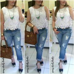 Boyfriend ripped jeans & lace cropped