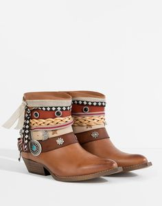 FESTIVAL ANKLE BOOTS - New products - SHOES - PULL&BEAR Ukraine