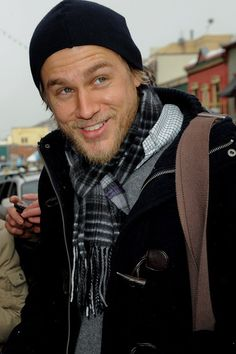 Stare at Charlie Hunnam! uuhh he's just too much..