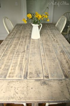 Matt Knisely saved to M A K Farmhouse Table. Mix a few spoonfuls of clear wax with creamy white paint and you get a colored wax that created this beautiful weathered light washed finish. Furniture Projects, Furniture Makeover, Home Projects, Diy Furniture, Modern Furniture, Furniture Design, Diy Farmhouse Table, Rustic Farmhouse, Farmhouse Style